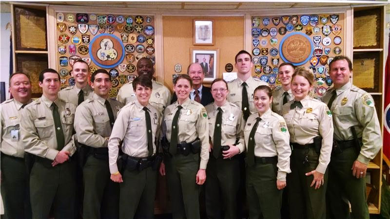 Our police friendly hotel in Pigeon Forge gives our police discount to both active and retired law enforcement officers: Police, Deputy Sheriff, Highway Patrol, State Police, Corrections, Customs, Immigration, Wildlife, Railway, Border Patrol, Agent, Special Agent, Special, Auxiliary, Reserve, and State Park Rangers.