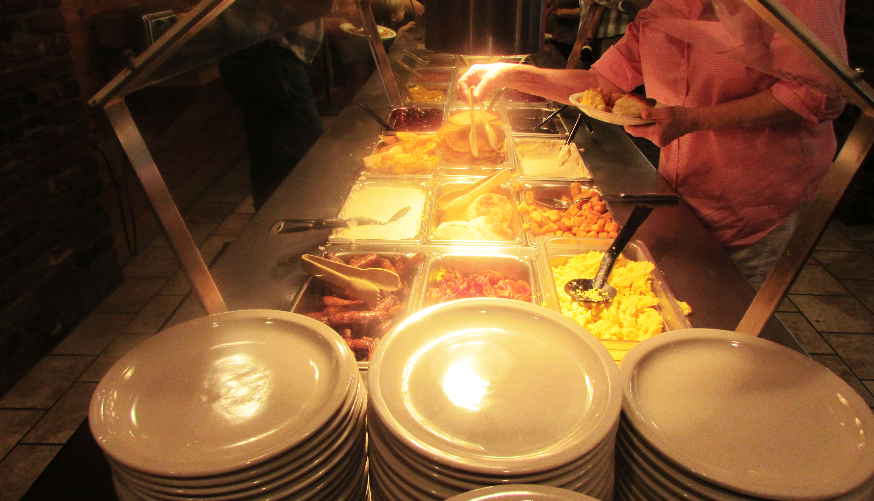 Breakfast buffet at Reagan's House of Pancakes - free breakfast at Arbors Hotel Pigeon Forge