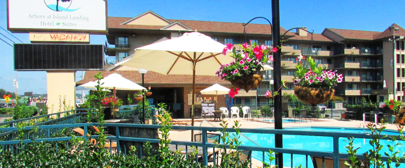 Arbors at Island Landing Hotel Pigeon Forge - pool and hot tub 24/7