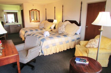 Luxury Mountain View Double Queen room at Arbors at Island Landing Hotel - Pigeon Forge