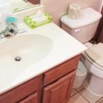 Vanity and bath to Queen bedroom