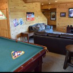 Game room  -  Luxury 5 Bed cabin rental, Pigeon Forge