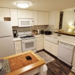 Luxury Condo 2 Bedroom Arbors Vacation Rentals - kitchen